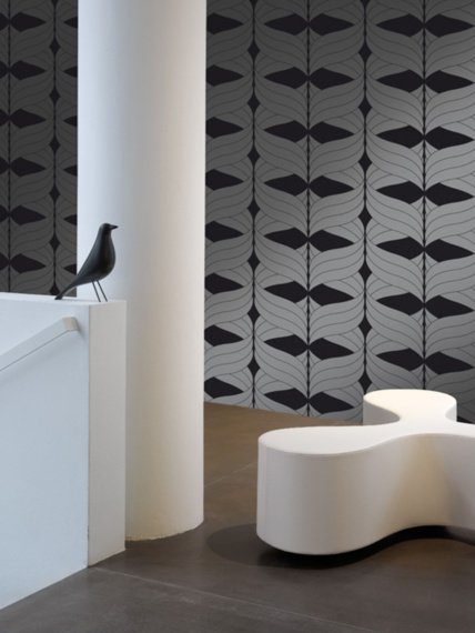 Sample of wallpaper Coctail black